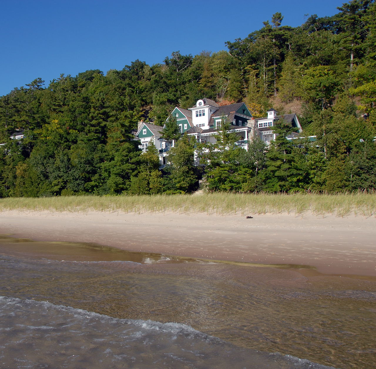 Lake Michigan Waterfront Homes For Sale   Lake Michigan Real Estate
