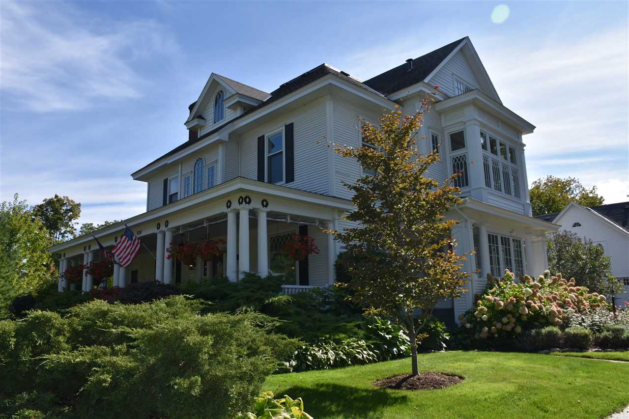 924 e mitchell petoskey property listing for Mitchell homes price list